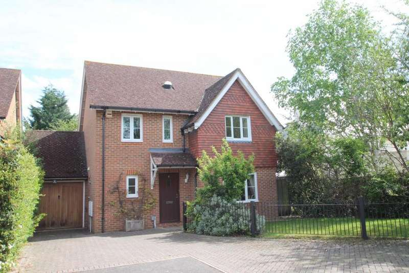 4 Bedrooms Detached House for sale in Tarrant Green, Warfield, RG42