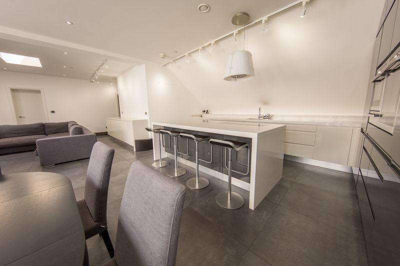 2 Bedrooms Penthouse Flat for sale in Penthouse on King Street, Knutsford, Cheshire