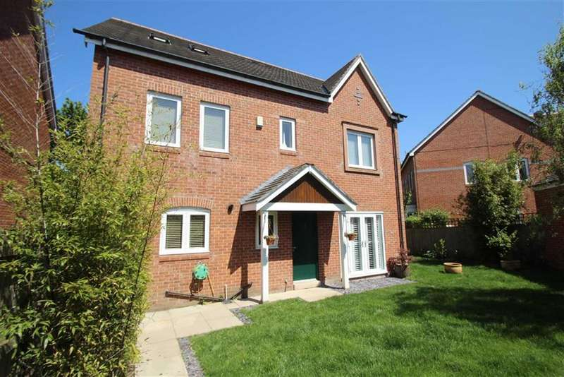 4 Bedrooms Detached House for sale in Robin Road, West Timperley, Altrincham