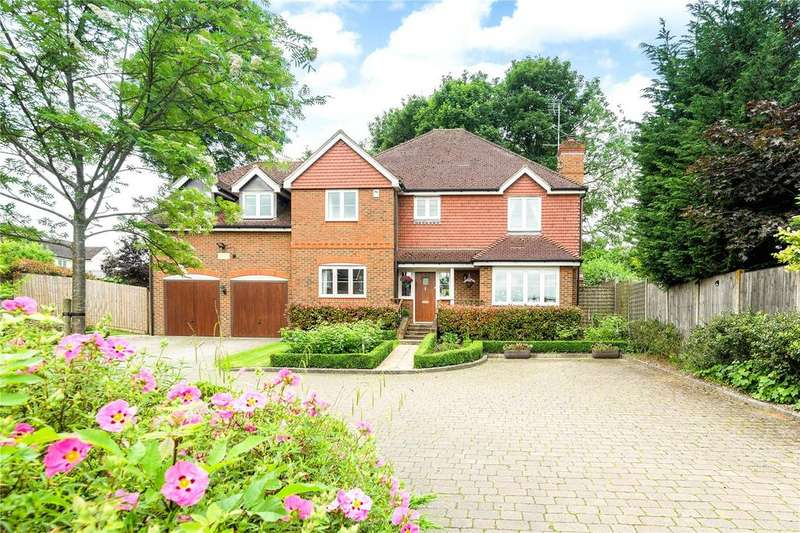 5 Bedrooms Detached House for sale in Minall Close, Tring, Hertfordshire, HP23