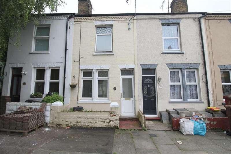 3 Bedrooms Terraced House for sale in Devonshire Road, Gillingham, Kent. ME7 1LT