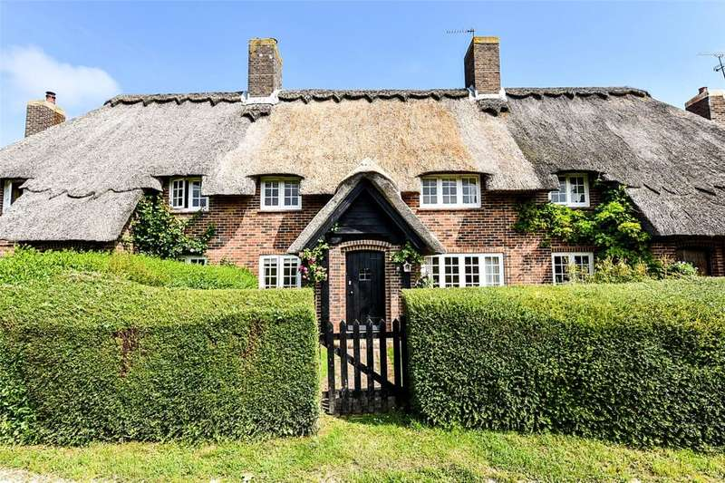 3 Bedrooms Terraced House for sale in Thatched Cottages, Climping Street, Climping, West Sussex, BN17