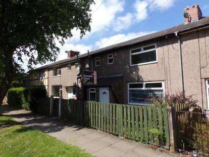 3 Bedrooms Terraced House for sale in Moorland Road, Burnley, Lancashire, BB11