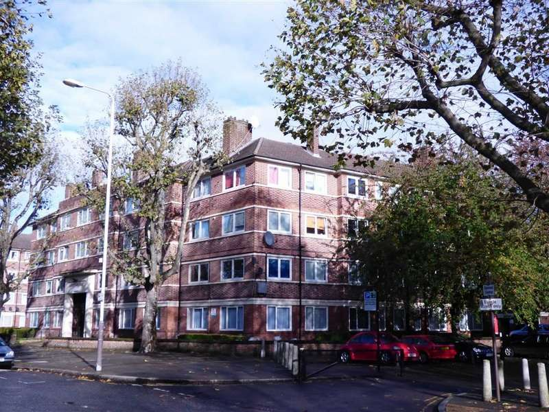 2 Bedrooms Flat for sale in Kirby Estate, Southwark Park Road, London