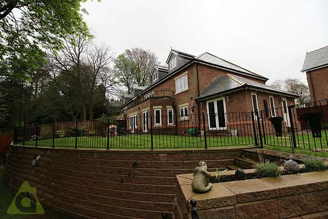 6 Bedrooms Detached House for sale in The Keep, Ladybridge Lane, Lostock, BL1