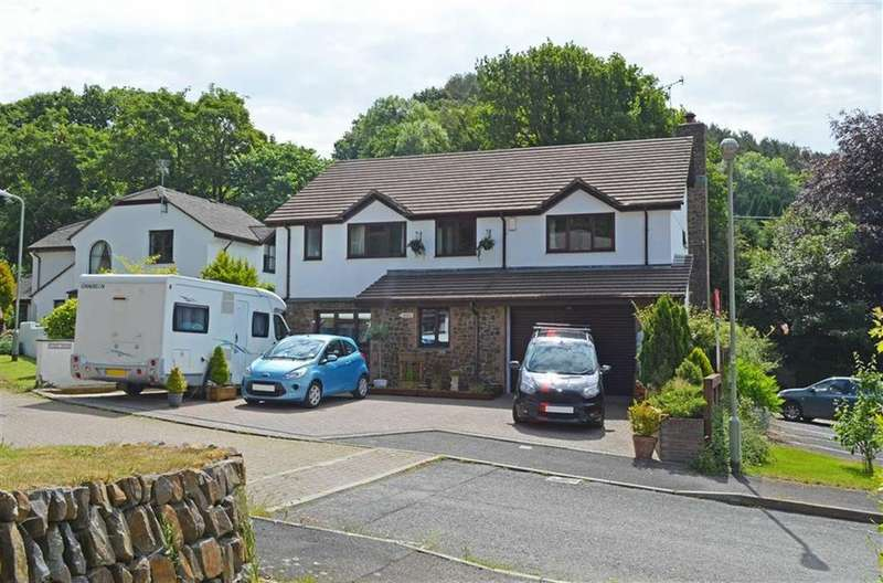 4 Bedrooms Detached House for sale in Tavern Gardens, Weare Giffard, Bideford, Devon, EX39