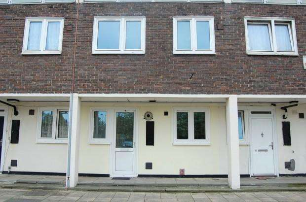 2 Bedrooms Maisonette Flat for sale in Penmon Road, London, SE2
