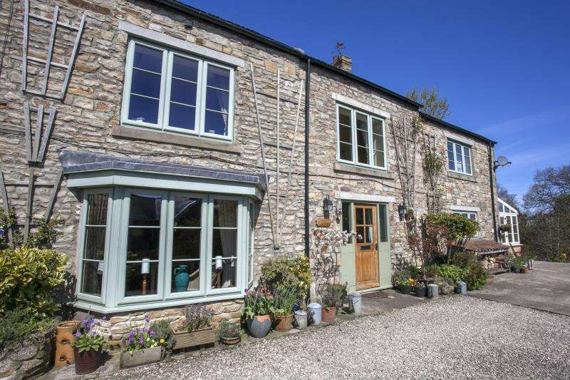 3 Bedrooms Cottage House for sale in Lavender Cottage, Southside, Butterknowle, County Durham