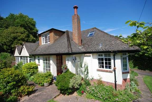 3 Bedrooms Detached House for sale in Knowle Drive, Sidmouth