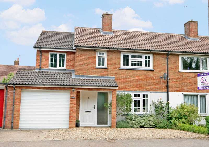 3 Bedrooms Semi Detached House for sale in Boxted Road, Hemel Hempstead, HP1 2QU