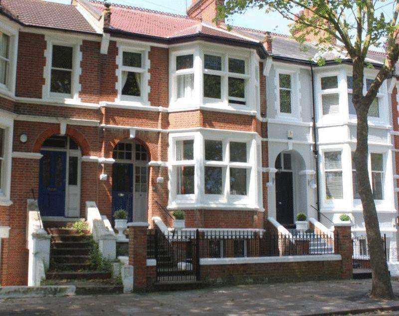 5 Bedrooms Terraced House for sale in Runwell Terrace, Southend-On-Sea