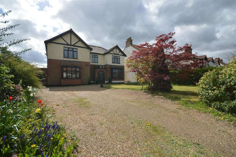 4 Bedrooms Detached House for sale in Wroxham Road, Norwich