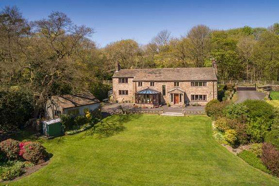 4 Bedrooms Detached House for sale in Whins Lane, Simonstone BB12