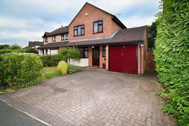 4 Bedrooms Detached House for sale in Ayrshire Way, Congleton, CW12 3TN