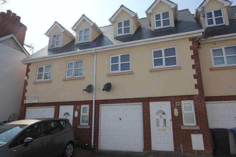 2 Bedrooms Mews House for sale in Llys Llengoed, St Asaph