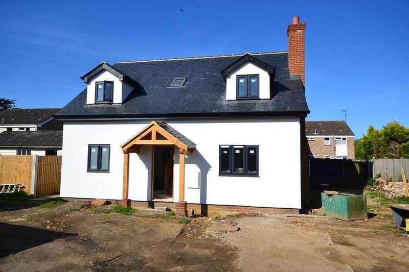 3 Bedrooms Detached House for sale in Station Road, Hatfield Peverel, CM3 2DR