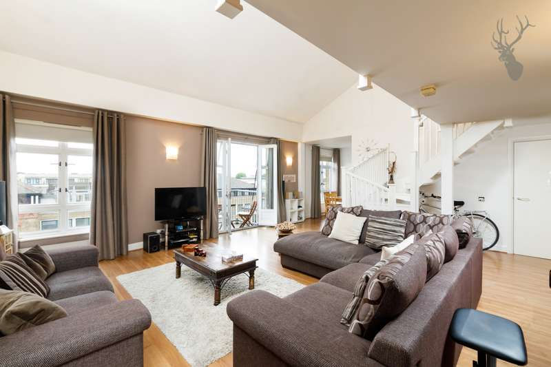 2 Bedrooms Apartment Flat for sale in Park West, Bow Quarter, Fairfield Road, Bow, E3