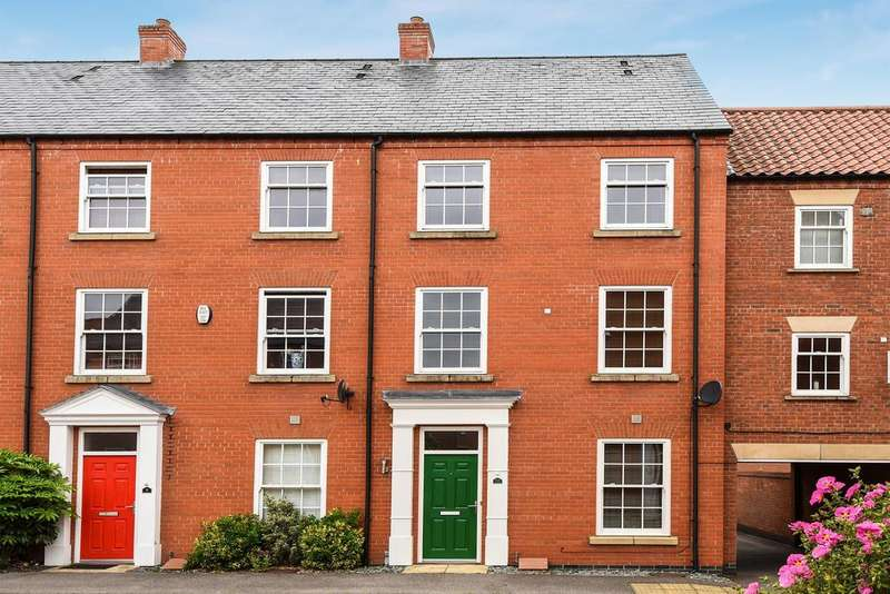3 Bedrooms Terraced House for sale in Southwells Lane, Horncastle, Lincs, LN9 5DT