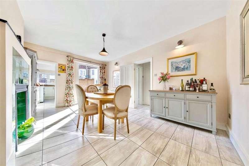 4 Bedrooms Terraced House for sale in Ravenslea Road, SW12
