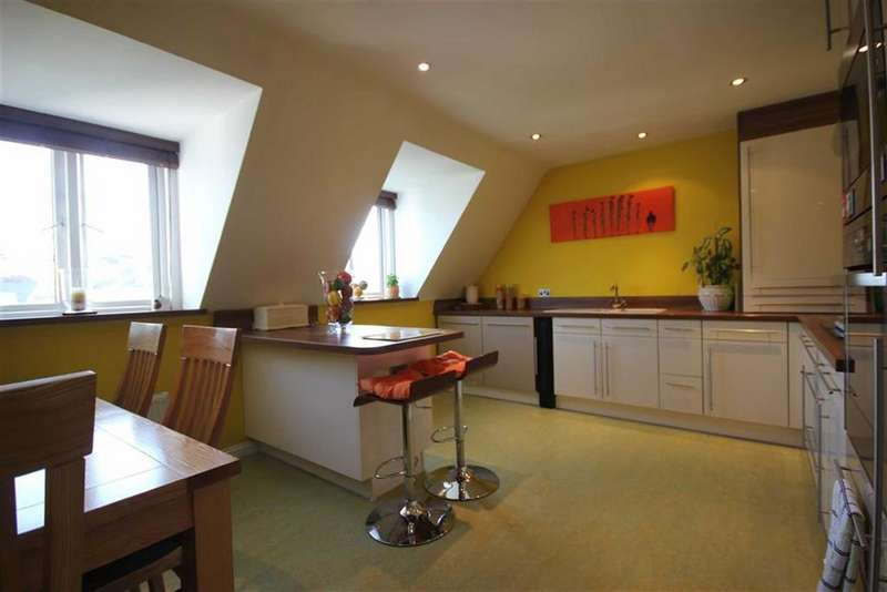 3 Bedrooms Penthouse Flat for sale in St Helier