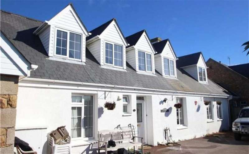 3 Bedrooms Cottage House for sale in St Ouen