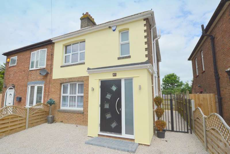 3 Bedrooms Semi Detached House for sale in Cannon Lane, Putteridge, Luton, LU2 8BJ
