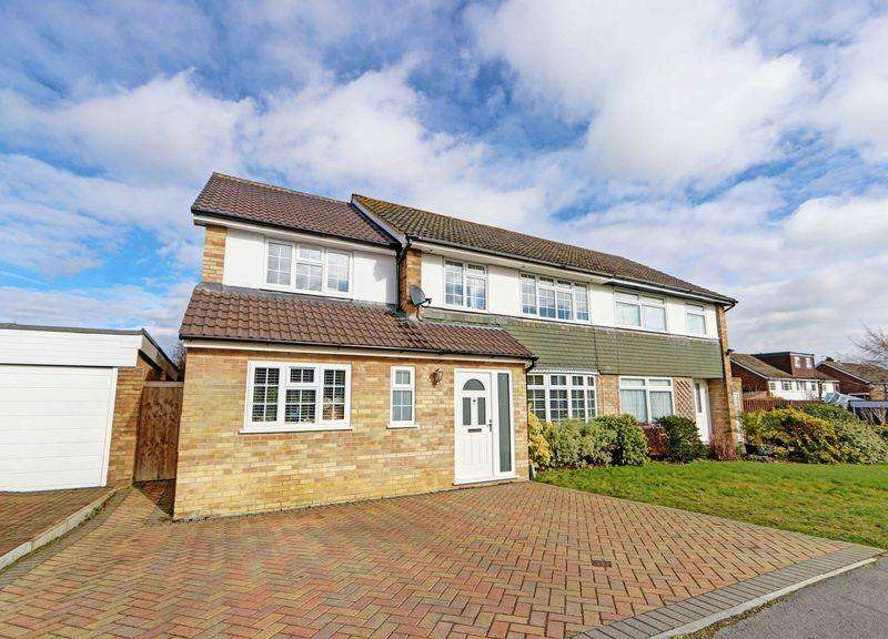 4 Bedrooms Semi Detached House for sale in Contemporary Cookham home