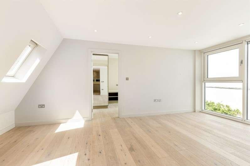 1 Bedroom Flat for sale in Brackenbury Road, Hammersmith