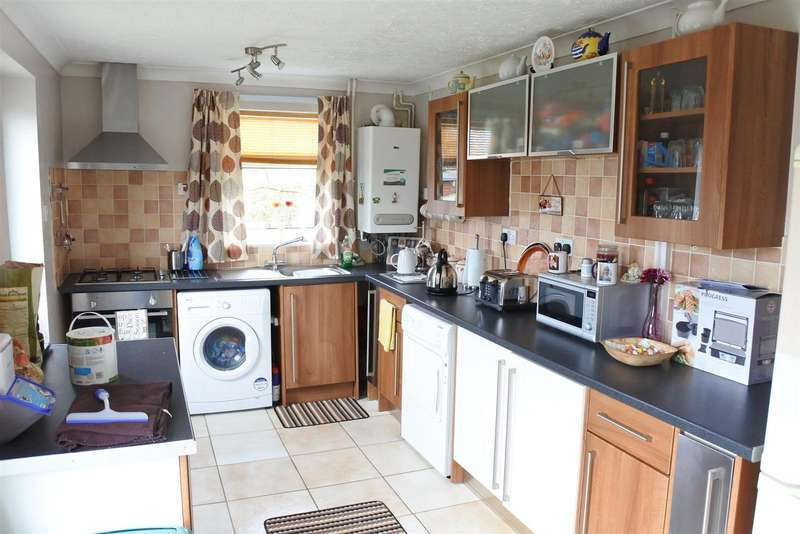 3 Bedrooms Detached House for sale in Melbourne Road, Grantham