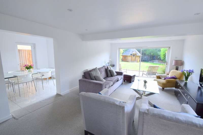 4 Bedrooms Detached House for sale in Maidenhead Road, Windsor, SL4