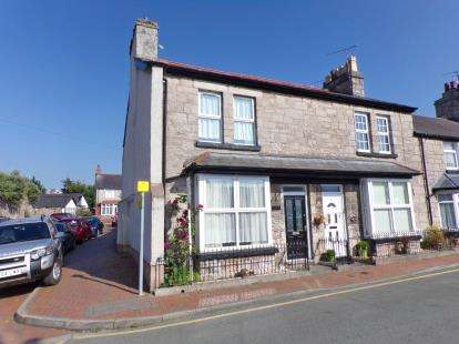 3 Bedrooms End Of Terrace House for sale in Church Walks, Old Colwyn, Conwy, North Wales, LL29