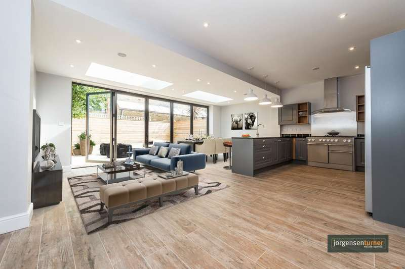 5 Bedrooms House for sale in Grafton Road, Acton, London, W3 6PD