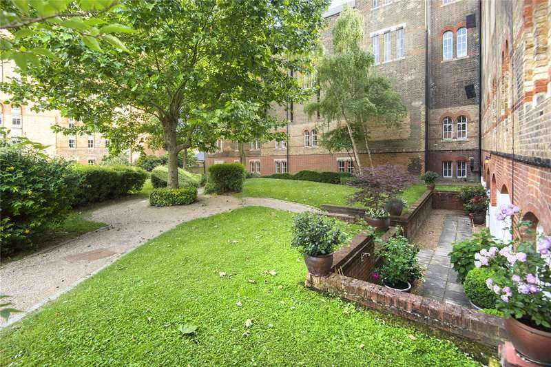 2 Bedrooms Flat for sale in The Great Hall, Victory Road, London, E11