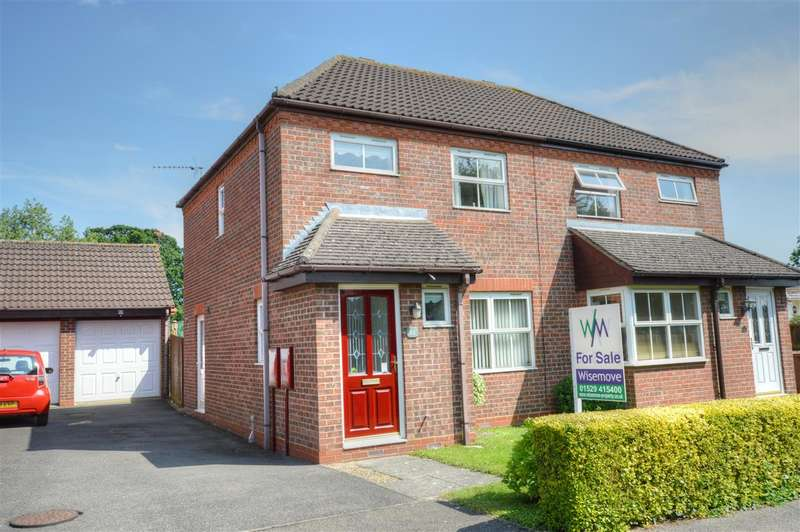3 Bedrooms Semi Detached House for sale in Bristol Way, Sleaford