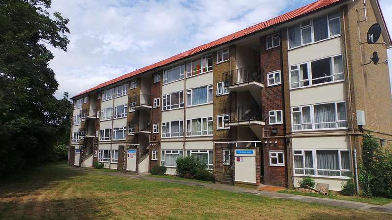1 Bedroom Flat for sale in Cedars Court, Edmonton, N9