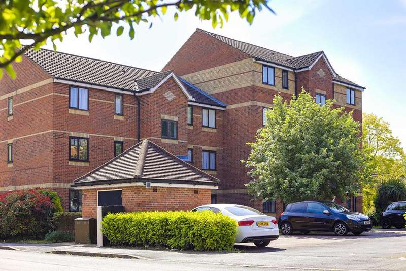 2 Bedrooms Flat for sale in Cherry Blossom Close, Palmers Green, London, N13