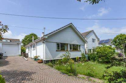 3 Bedrooms Bungalow for sale in Playing Place, Truro, Cornwall