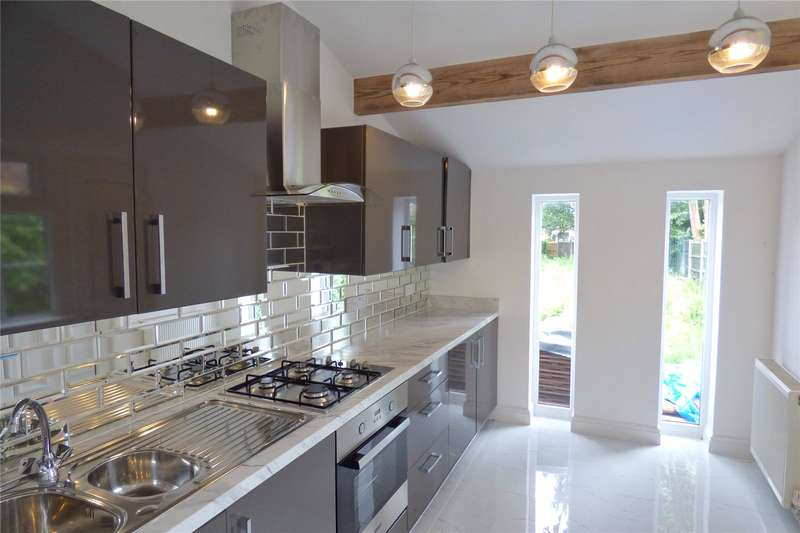 3 Bedrooms Terraced House for sale in Northfield Road, New Moston, Manchester, M40