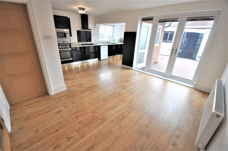3 Bedrooms Detached Bungalow for sale in Otley Road, St Annes, Lytham, St Annes, Lancashire, FY8 3QX