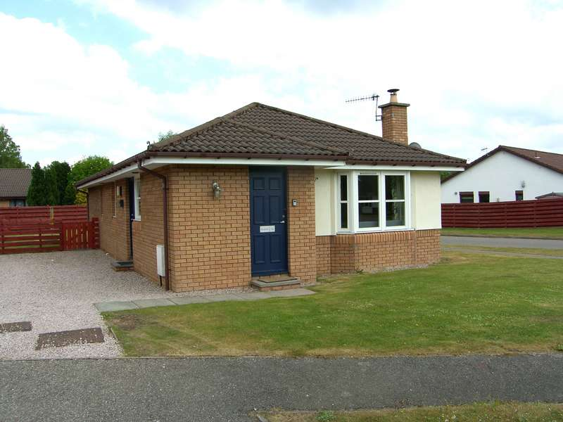 3 Bedrooms Detached House for sale in Silverglades, Aviemore, PH22 1TD