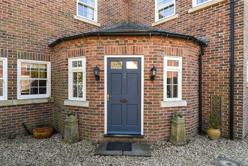 4 Bedrooms Detached House for sale in High Street, Swaton, NG34