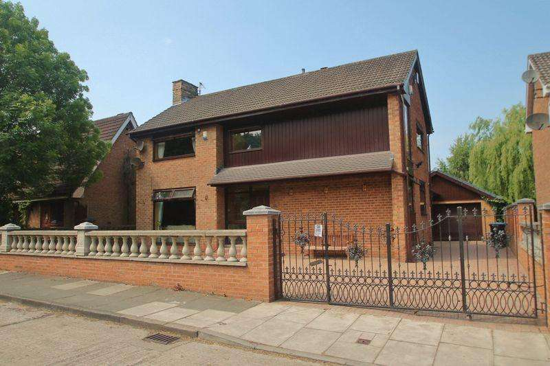 3 Bedrooms Detached House for sale in The Crescent, Ormesby