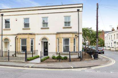 3 Bedrooms End Of Terrace House for sale in St. Pauls Road, Pittville, Cheltenham, Gloucestershire