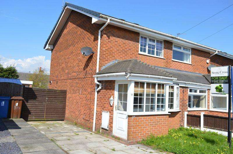 2 Bedrooms Semi Detached House for sale in Ashwood Avenue, Abram, WN2 5YE