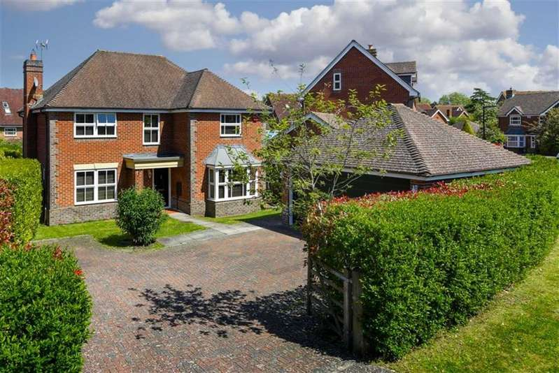 4 Bedrooms Detached House for sale in Hendon Grove, Epsom, Surrey