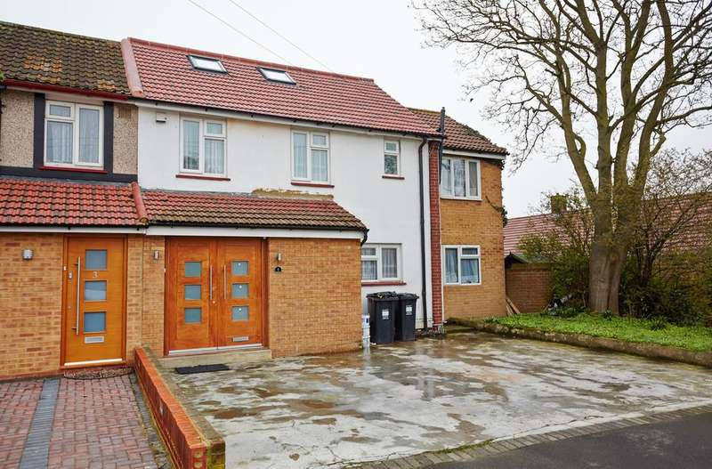 4 Bedrooms End Of Terrace House for sale in Sopwith Road, Heston TW5