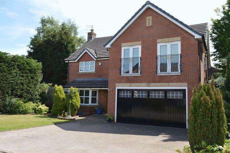 5 Bedrooms Detached House for sale in St. Mary's Court, Lowton, WA3 1GB
