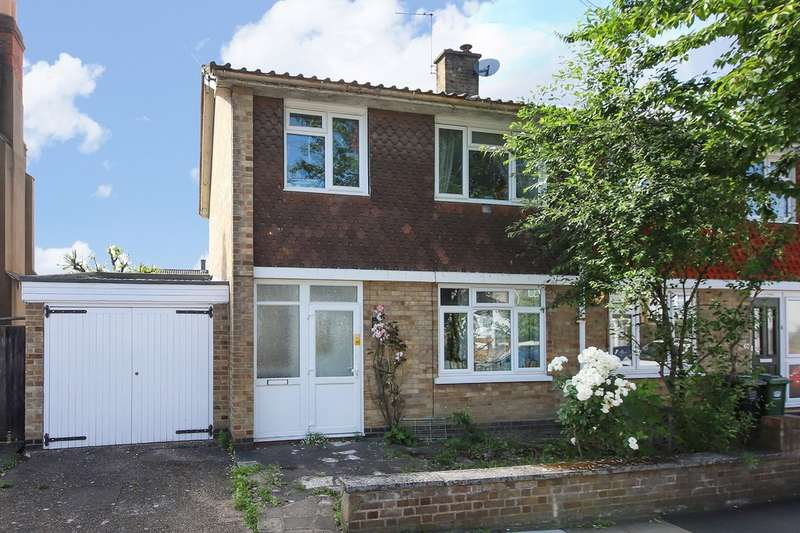 3 Bedrooms Semi Detached House for sale in Salehurst Road, Brockley, London
