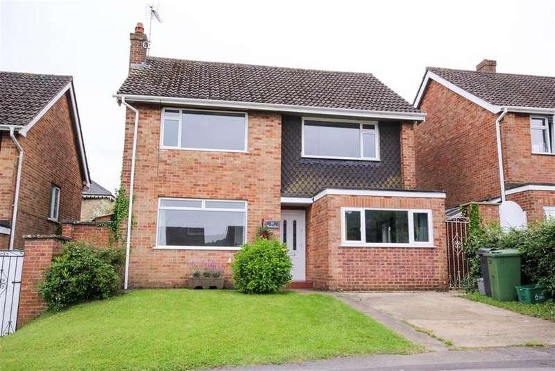 3 Bedrooms Detached House for sale in Dryleaze, Wotton Under Edge, Gloucestershire, GL12 7AL