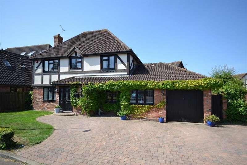 4 Bedrooms Detached House for sale in Yew Tree Close, Hatfield Peverel